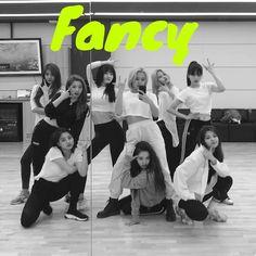 Lovely Twice Photo Part 3 - Visit to See Nayeon, K Pop, Kpop Girl Groups, Korean Girl Groups, Kpop Girls, Twice Tzuyu, Twice Dahyun, Extended Play, Mamamoo