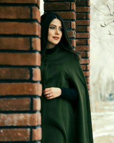 اليشور بيك مثلك   كون نفس الطول   الدغل شابع سحكَ   يم هيبة  السنبل Iranian Beauty, Muslim Beauty, Girl Photo Poses, Girl Photography Poses, Muslim Girls, Muslim Women, Girl Pictures, Girl Photos, Persian Beauties