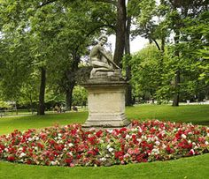 Jardin du Luxembourg - Situated on the border between Saint-Germain-des-Prés and the Latin Quarter, the Luxembourg Gardens, inspired by the Boboli. Saint Germain, Paris Latin Quarter, Luxembourg Gardens, Tourist Office, Romantic Getaway, European Travel, Worlds Of Fun, Paris France, Garden Landscaping