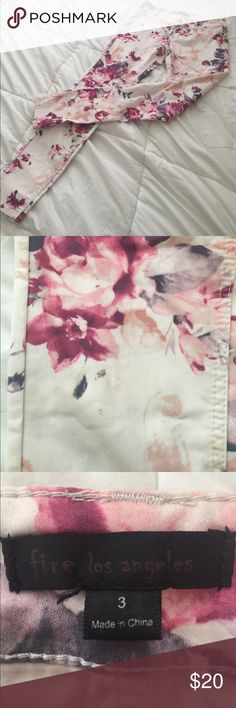 Floral skinny jeans Like new! Pink and white floral skinny jeans! Very light weight and stretch! Fire Los Angeles Jeans Skinny