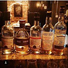 Old Vs New whisky tasting went down a treat tonight! #thevault #thevaultsoho  #cocktails #cocktailbar #london #londonbar #soho #greekstreet #books #secretbar #drinks #whiskybar #whiskeybar #placestogoinlondon #nightout #alcohol #bar #mixology #mixologist #barman #waitress #weekend #whiskey #whisky #bourbon #infusions #infusions #milroys #milroysofsoho #whiskytasting