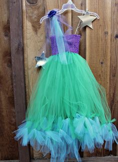 Make a No-Sew Halloween Costume for $20 (Mermaid, Princess or Fairy)! -- Tatertots and Jello