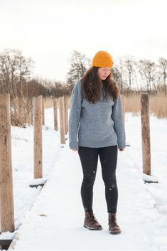 Cozy oversized merino wool sweater for Women. Grey sweater melange, hipster hiking look for outdoors. Chunky Oversized Sweater, Grey Sweater, Beanie Outfit, Merino Wool Sweater, Looking For Women, Sustainable Fashion, Sweaters For Women, Hiking, Fashion Looks