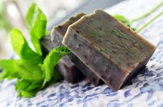 Peppermint Chill Shampoo bars   35% olive oil 25% coconut oil 15% lard 15% shea butter 10% castor oil  Per 500g oils:  1 tbsp peppermint botanical extract 1 tbsp French green clay 20g peppermint essential oil ½ tsp green oxide