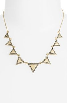 Love this collar necklace