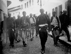 Guerilla fighters in the city of Vlorë, Albania, 1912 Albanian People, Albanian Culture, Extraordinary People, Historical Pictures, World Cultures, Old Photos, The Past, Black And White, Photography