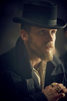 Tom Hardy - Peaky Blinders. Such pretty eyes ❤❤❤