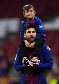 Lionel Messi of FC Barcelona and his son thiago enjoy the celebration after winning the Spanish Copa del Rey Final match between Barcelona and Sevilla at Wanda Metropolitano stadium on April Get premium, high resolution news photos at Getty Images Leonel Messi, Neymar Jr, Messi Son, Fc Barcelona, Barcelona Football, Football Messi, Messi Soccer, Watch Football, Nike Soccer