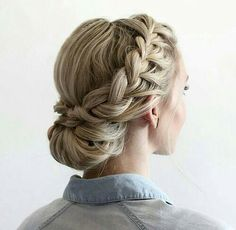 Braids Up Dos Idea 42 braided prom hair updos to finish your fab look braided Braids Up Dos. Here is Braids Up Dos Idea for you. Braids Up Dos 42 braided prom hair updos to finish your fab look braided. Braids Up Dos 41 beautifu. Graduation Hairstyles, Homecoming Hairstyles, Bridesmaids Hairstyles, Pretty Hairstyles, Easy Hairstyles, Latest Hairstyles, Hairstyles 2018, Popular Hairstyles, Glamorous Hairstyles