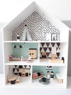 Poppenhuis 'little dream house' wooden dollhouse, diy dollhouse, dollhouse furniture, wooden