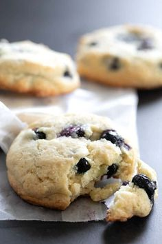 These gluten free blueberry muffin tops have all the best parts of a blueberry muffin. These gluten free blueberry muffin tops have all the best parts of a blueberry muffin. Gluten Free Blueberry Muffins, Blueberry Cookies, Blueberry Recipes, Blue Berry Muffins, Gluten Free Sweets, Gluten Free Cookies, Gluten Free Baking, Gluten Free Recipes, Gf Recipes