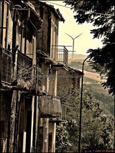 Conza della Campania - L'epicentro del terremoto del 1980 - Paesi Fantasma