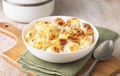 Cauliflower baked with cheese - Recipes - bildderfrau.de - Cauliflower baked with cheese – Recipes – bildderfrau. Ways To Cook Cauliflower, Creamy Cauliflower, Roasted Cauliflower, Cauliflower Recipes, Cauliflower Cheese, Cooking Cauliflower, Cheese Recipes, Low Carb Recipes, Cooking Recipes