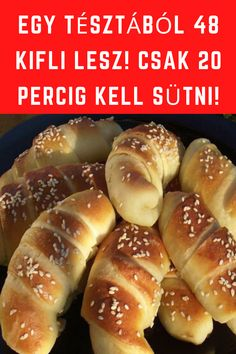 Csak 20 percig kell sütni! #kifli #sütés Delicious Desserts, Dessert Recipes, Yummy Food, Food N, Food And Drink, Easy Cooking, No Bake Cake, Hot Dog Buns, Finger Foods
