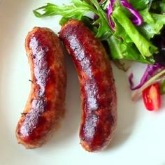 Italian sausages are spicy and delicious and can be eaten on their own or used in pasta bakes or even pizza topping. Watch how in the Allrecipes Italian Sausage Video . Homemade Italian Sausage, Homemade Sausage Recipes, Italian Sausage Recipes, Pork Recipes, Cooking Recipes, Italian Sausages, Cuisines Diy, Charcuterie, Allrecipes