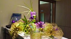 Green and purple table side displays for hire. Our green and purple table side displays are available in the UK. Luxury Christmas Tree, Led Christmas Tree, Christmas Tree Design, Christmas Displays, Purple Christmas Decorations, Commercial Christmas Decorations, Purple Table, Bespoke Design, Green And Purple
