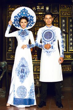 vietnam, ethnic groups in vietnam , capital saigon , south vietnam Vietnamese Wedding Dress, Vietnamese Dress, Traditional Fashion, Traditional Dresses, Ao Dai Wedding, Wedding Set, Ao Dai Modern, Costumes Around The World, Vietnamese Traditional Dress