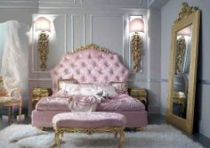 I loove this bed <3<3 So pretty :)