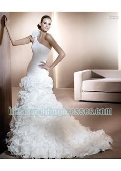 Basic Description: This brand new custom made fashion organza 2011 wedding dress features its one shoulder with rouched bodice and lavish ruffles mermaid skirt in chapel train designs. This modern wedding dress can also be used for spring wedding dre 2013 wedding dresses