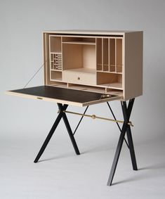 desk cabinet : gunnar dahl ::: For the desk box design, a field box like this is the precedent.