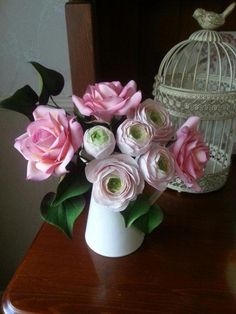 Pure Indulgence. Sugar flowers  - Cake by La Lavande Sugar Florist