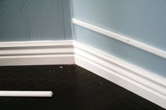 very cool way to make your baseboard appear wider