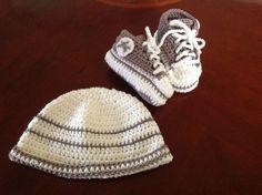 Gorro y zapatos para bebe