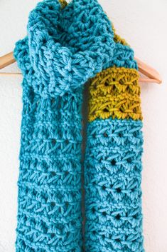 KD http://vickiehowell.com/category/free-projects/ Super Size Your Scarf Knitting!