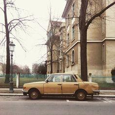#jugandoconsueños #parkedcars #dresden #karren