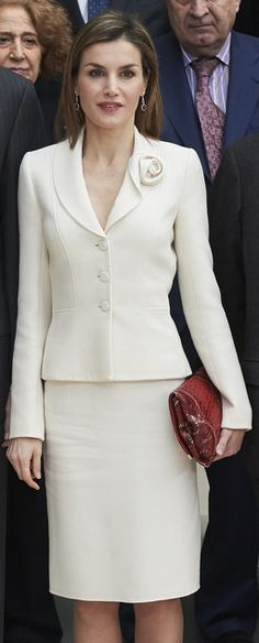 Felipe Varela ivory floral lapel skirt suit. Debuted 2008. Click for more info
