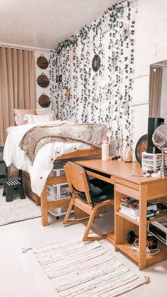 College dorm room Boho Pink Brown Greenery College C. College dorm room Boho Pink Brown Greenery College College Dorm Rooms B College Bedroom Decor, Boho Dorm Room, Cool Dorm Rooms, Room Ideas Bedroom, College Dorm Rooms, Indie Dorm Room, Pink Dorm Rooms, Bedroom Ideas For Small Rooms, Boho Teen Bedroom
