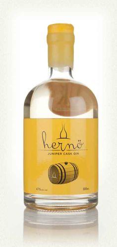 Herno Juniper Cask Gin, aged in barrels made of juniper wood Whisky, Gin Festival, Juniperus Communis, Gin Brands, Gin Bottles, Hooch, Gin And Tonic, Beer Brewing, Geneva