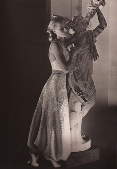"Gown by Alix, ""Harper's Bazaar,"" September Photo by George Hoyningen-Huene. Grunge Style, Kate Moss, Urban Outfitters, Top Fashion Magazines, Hip Hop, 1930s Fashion, High Fashion, Cecil Beaton, Vintage Fashion Photography"