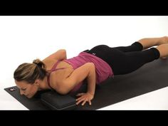 Learn high plank to low plank from certified yoga instructor Chelsey Korus in this Howcast video. Fitness Del Yoga, Body Fitness, Asana, Fat Burning Yoga, Plus Size Yoga, Yoga Youtube, Reduce Belly Fat, Lose Belly, Yoga Poses For Beginners