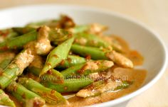 Stir-fried Long Beans with Red Curry Paste