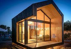Image: Small home in Phoenix (Courtesy of Cinderbox Dwelling)