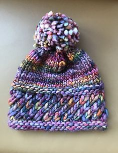Free knitting pattern: MUTS - Freubelweb Look what I found on Freubelweb.nl: a free knitting pattern from Sharon Lentsch to knit a hat Knitting Patterns Free, Knit Patterns, Free Knitting, Baby Knitting, Free Pattern, Knitting Ideas, Round Loom Knitting, Knitting Books, Knitting Machine