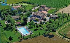 Holiday apartments with private swimming pool in Toscana, Italy;