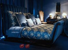 Versace Home luxorium Gianni Versace House, Versace Home, Blue Rooms, Blue Bedroom, Contemporary Interior Design, Home Interior Design, Versace Furniture, How To Dress A Bed, Luxurious Bedrooms