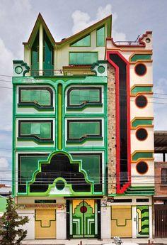 Spaceship architecture: Freddy Mamani Silvestre in El Alto, Bolivia Beautiful Architecture, Architecture Details, Landscape Architecture, Interior Architecture, Post Modern Architecture, Colour Architecture, Landscape Design, Unusual Buildings, Amazing Buildings