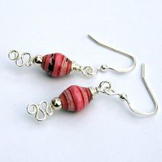 Paper bead earrings again :D - JEWELRY AND TRINKETS - I'm still making them and it's more fun than ever! Make Paper Beads, Paper Bead Jewelry, Origami Jewelry, Quilling Jewelry, Paper Earrings, Jewelry Making Beads, Bead Earrings, Wire Wrapped Jewelry, Wire Jewelry