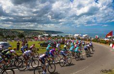 Tour de France 2012 / stage 4 / The peloton riding along the coast near Dieppe