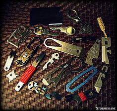 https://flic.kr/p/HEpfmY | assorted multitools | A few tools from the gadget drawer...