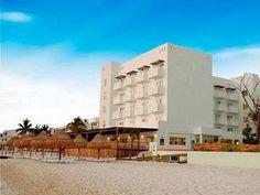 Holiday Inn Cancún Arenas es un hermoso lugar que se distingue por estar rodeado de exuberante vegetación, localizado en el Mar Caribe, le da la oportunidad al huésped de disfrutar de las mas hermosas playas de arena blanca de Cancún. Con un excelente servicio y en un ambiente amigable podrá sentirse como en casa.