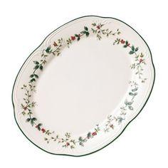 Amazon.com: Pfaltzgraff Winterberry Sculpted Oval Platter: Kitchen & Dining