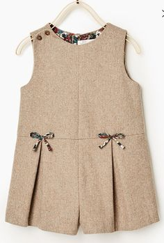African Dresses For Kids, Toddler Girl Dresses, Little Girl Dresses, Kids Winter Fashion, Kids Fashion, Baby Girl Dress Patterns, Baby Frocks Designs, Kids Frocks, Kids Outfits