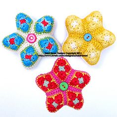 The Little Stars pattern is the seventeenth of my patterns that makes use of the African Flower crochet motif and variations thereof, joined in a specific order to make a recognizable 3D item. I love this African Flower pattern and the creative possibilities of using it to make 3D items :) Little Stars are an excellent stash buster project, as you only need to use very small amounts of leftover sock yarn to make a motif.