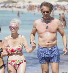 86-Year-Old Duchess Shocks by Rocking a Bikini at the Beach (PHOTO)