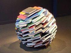 Boeksculptuur van de Amerikaanse kunstenaar Adam Bateman. http://www.abebooks.com/docs/Community/Featured/bookSculpture.shtml