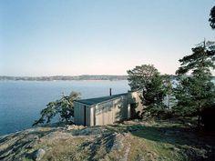 Scandinavian Retreat: Swedish summer house by CKR